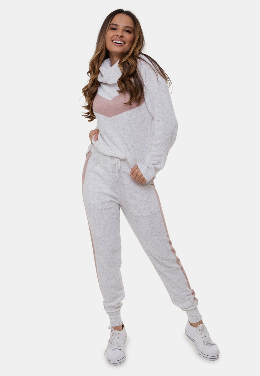 Conjunto Bruna Comfy Pink Tricot Com Calça Jogging e Blusa Com Gola Alta de Tricô Mousse e Listras Feminino Branco/Rosê