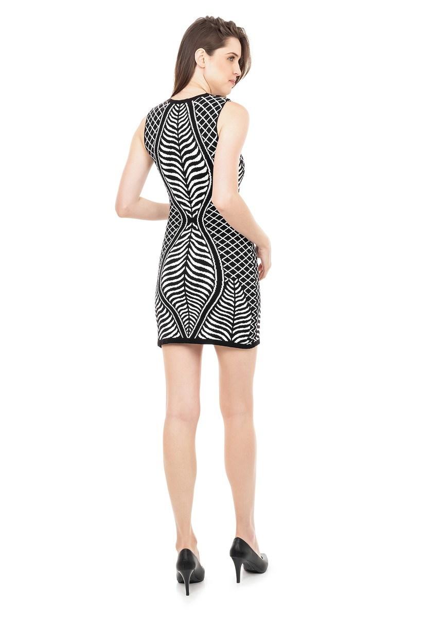 Vestido Curto de Tricot Modal Estampa Folhas Feminino Preto/Branco