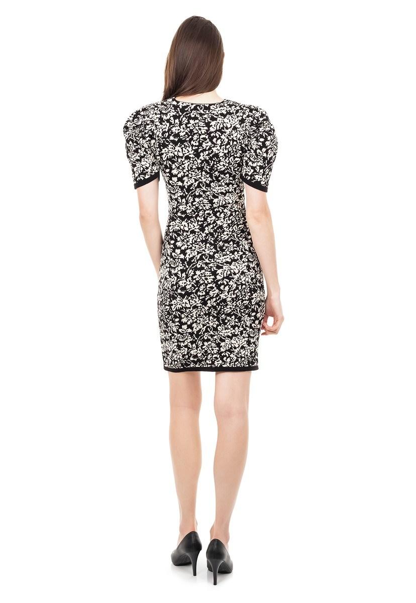 Vestido de Tricot Modal Curto Estampa Floral e Manga Curta Bufante Preto/Bege