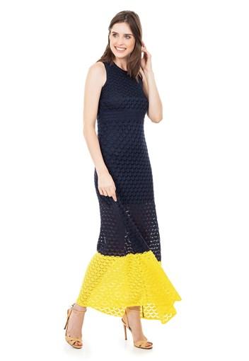 Produto Vestido Longo de Tricot Renda Rodado com Listra na Barra Feminino Azul Marinho com Amarelo